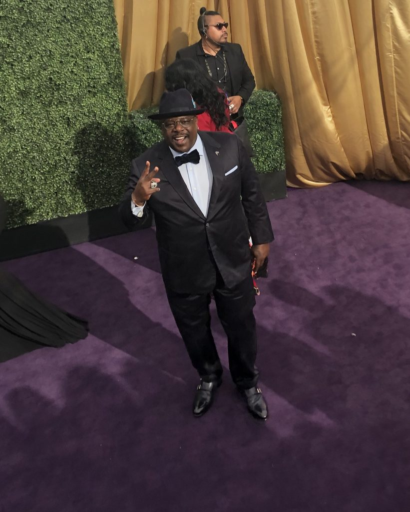 Cedric the Entertainer emmys red carpet