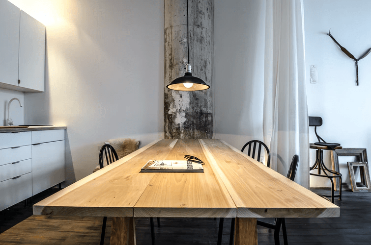 How To Redecorate Your Wooden Table: A Few Proven Tips