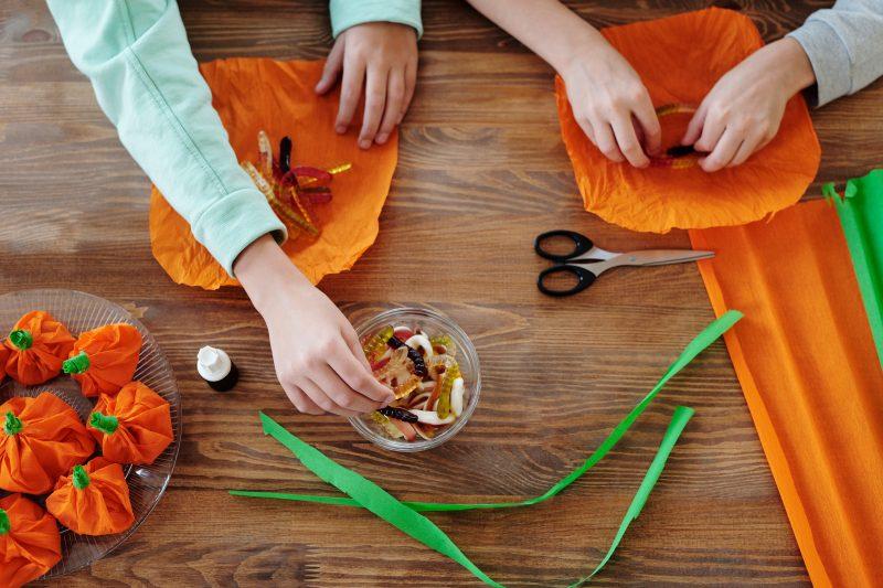 Household-Items-Turned-Halloween-Decoration Ideas